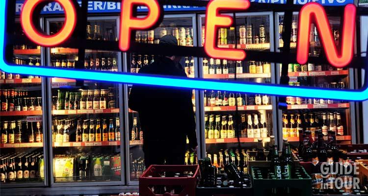 Vetrina di una birreria di Berlino dove poter comprare birra artigianale