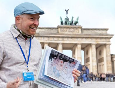 Guida turistica italiana conducendo un tour gratis - free tour di Berlino.