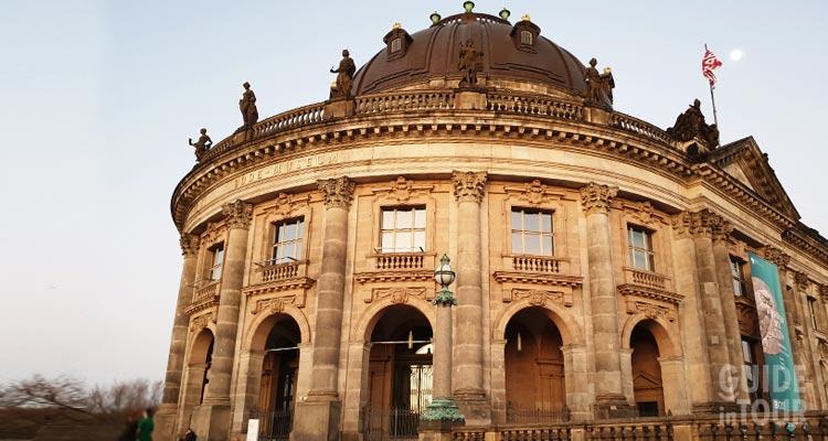 il museo Bode a Berlino sull'Isola dei Musei.