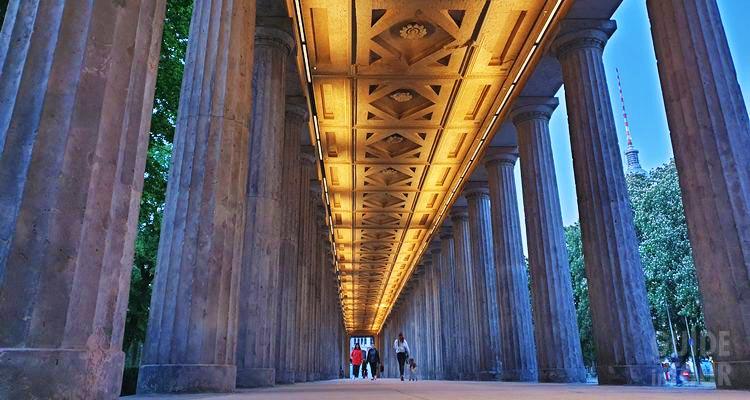 Il colonnato dell'isola dei musei di Berlino.