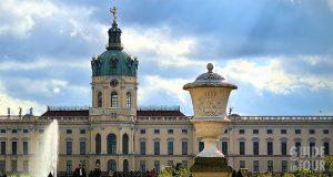 Vista della parte posteriore del Palazzo di Charlottenburg a Berlino.