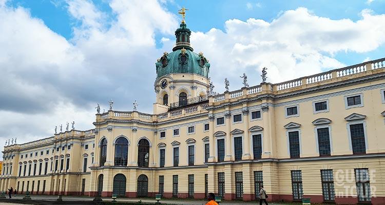 Biglietteria dove acquistare l'entrta al palazzo di Charlottenburg a Berlino.