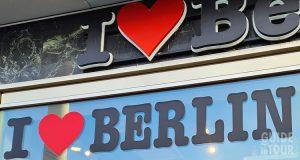 Negozi e consigli su dove scovare dei souvenir da Berlino per fare bella figura al ritorno della vacanza.