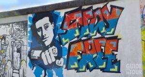 Una parte del Muro di Berlino dove passeggiare gratis a Berlino.