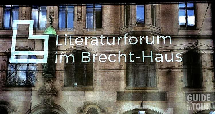 Entrata alla casa di Berthold Brecht a Berlino.