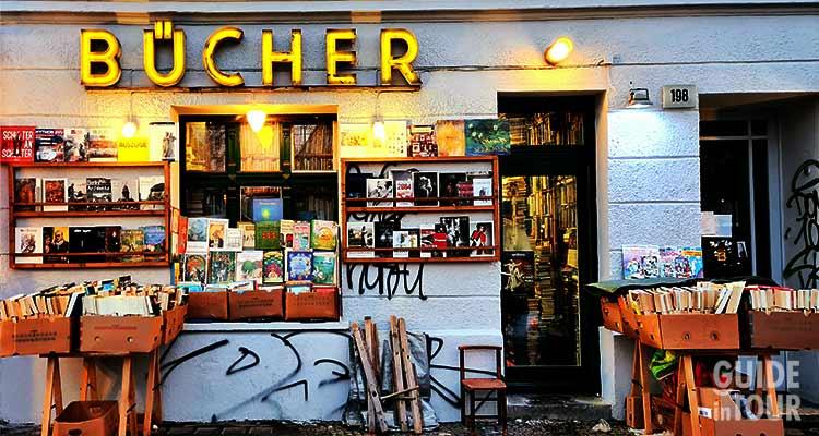 Una libreria del quartiere dove risiedeva Gunter Grass a Berlino visitata duranta una passeggiata letteraria.