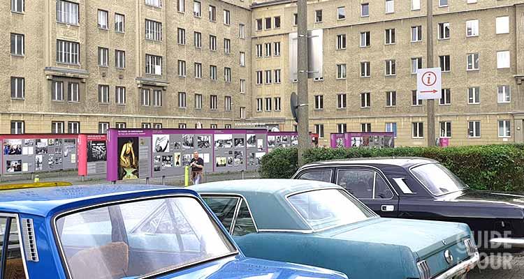 Entrata al Museo della Stasi a Berlino.